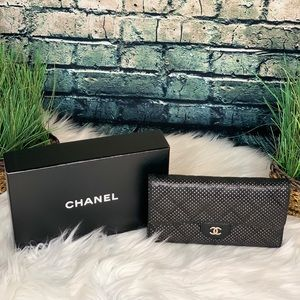 Auth Chanel Lambskin Perforated Leather Wallet